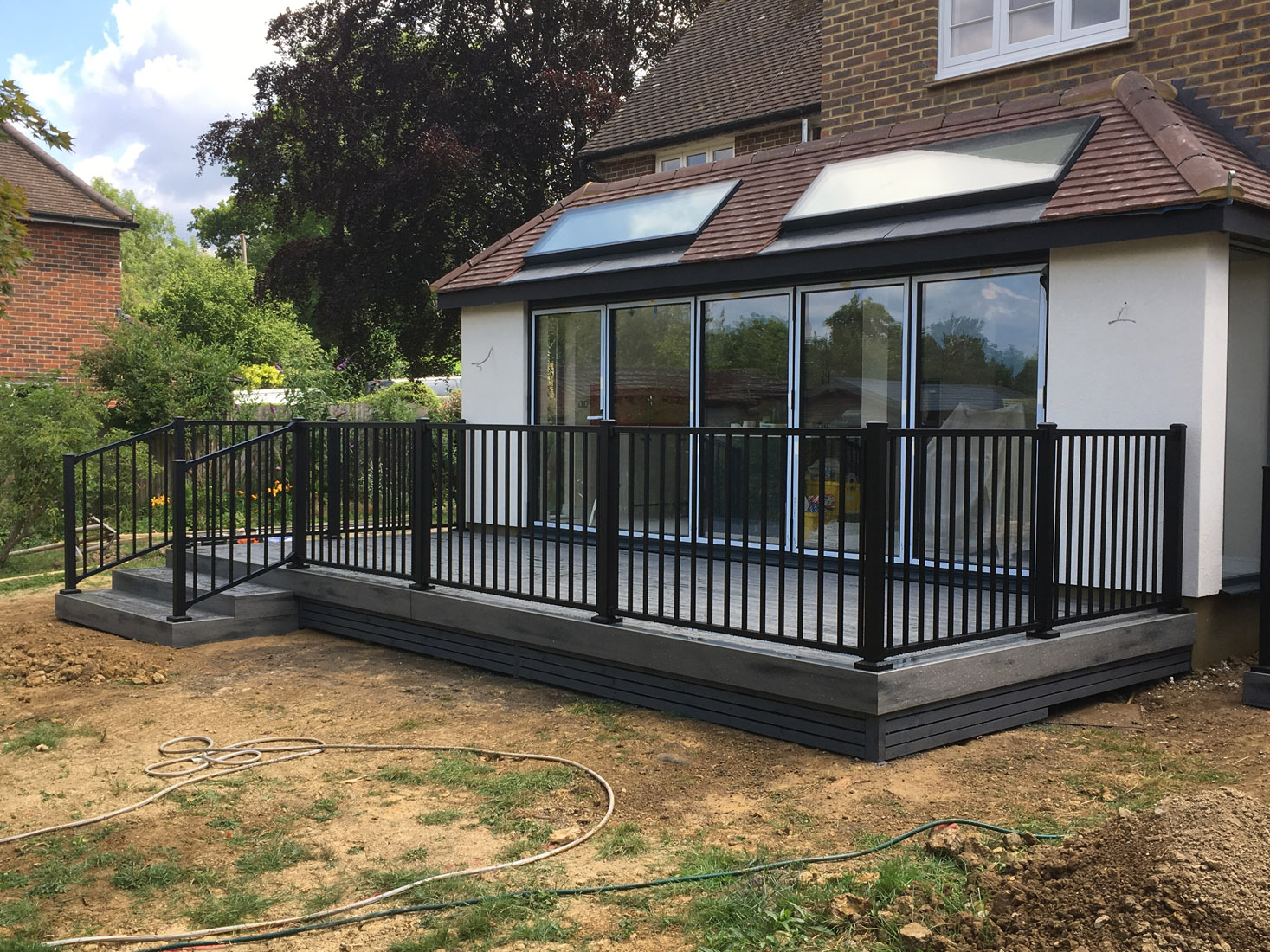 https://www.abrightershadeofgreen.com/portfolio/decking-warnham/